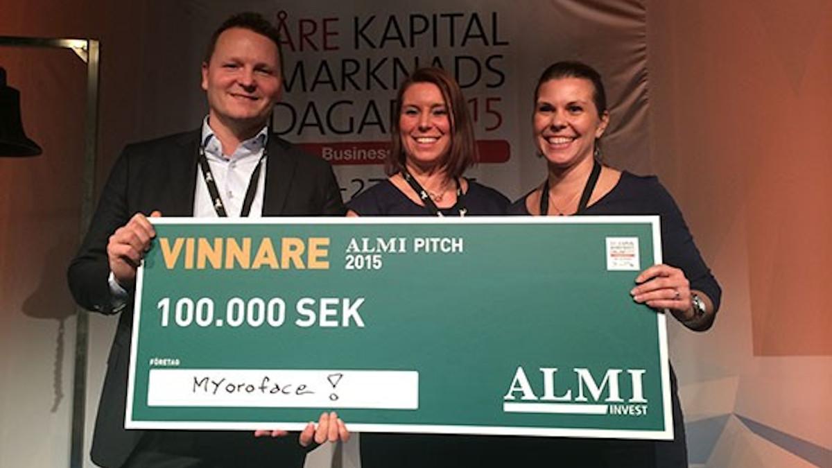 Ylvali och LInn tar emot priset för Almi pitch